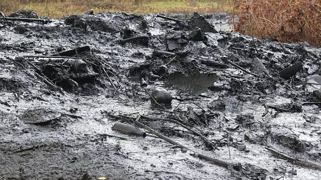 Sedimenty z Bajcůvky se zatím ukládají u říčky.