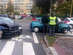 Nehoda na Těšínské ulici v Havířově-Podlesí.