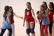 Trénink dětí z volejbalové přípravky.