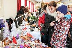 Ručně vyráběné předměty a pochutiny nabízeli prodejci z Havířova i okolí.