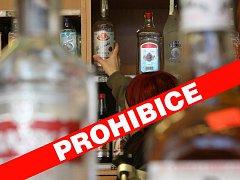 V zemi byl kvůli jedovatému alkoholu vyhlášen celoplošný zákaz prodeje tvrdého alkoholu.