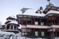 Původní chata Libušín na Pustevnách před požárem, snímek z 14. ledna 2006.