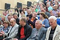 Kulturní dům v Těrlicku v pátek podvečer ožil 22. ročníkem Těrlického filmového léta snímkem Miroslava Krobota, Díra u Hanušovic.