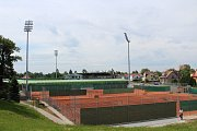 Tenisové kurty v Karviné Ráji, které byly dva roky mimo provoz kvůli rekonstrukci fotbalového stadionu, jsou opět v provozu.