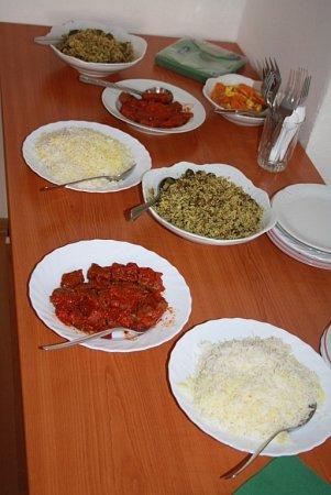 Ochutnávka íránského jídla.