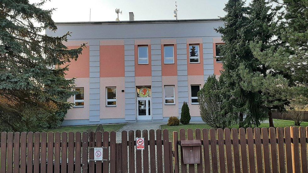 Věřňovice, škola.