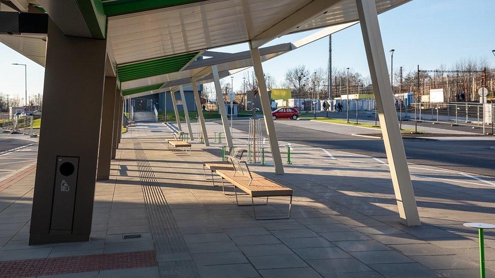 V Havířově se schyluje ke zprovoznění nového dopravního terminálu před vlakovým nádražím. Je skoro hotovo.