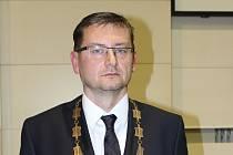 (Staro)novým primátorem Karviné byl zvolen Jan Wolf (ČSSD).