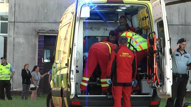 Záchrana chlapce zraněného při pádu z okna v Havířově