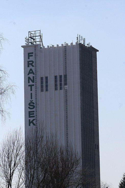 Horní Suchá. Průmyslová zóna František, skipová věž.