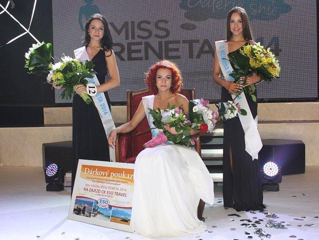 Miss Reneta 2014 Tereza Vašutová společně s 1. vicemiss Veronikou Skalkovou Prahy (vlevo) a 2. vicemiss Michaelou Andrisovou z Karviné.
