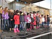 Vystoupení Smajlíku v havířovském vánočním městečku.