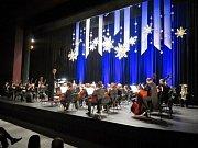 Úžasná atmosféra ovládla v sobotu večer velký sál Kulturního domu Leoše Janáčka. Novoroční koncert města Havířova, který se původně měl konat 10. ledna, ale pro onemocnění zpěvačky Evy Urbanové musel být přeložen, poskytl nádherný kulturní zážitek.