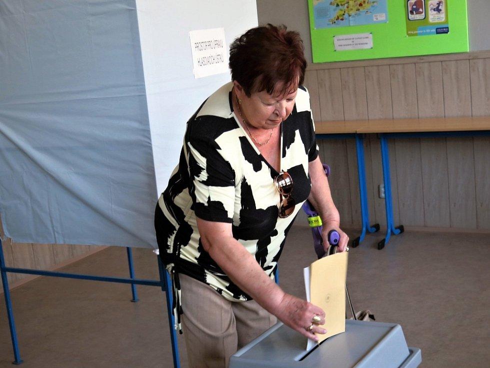 Volby v budově Hotelové školy a Obchodní akademie v Havířově.