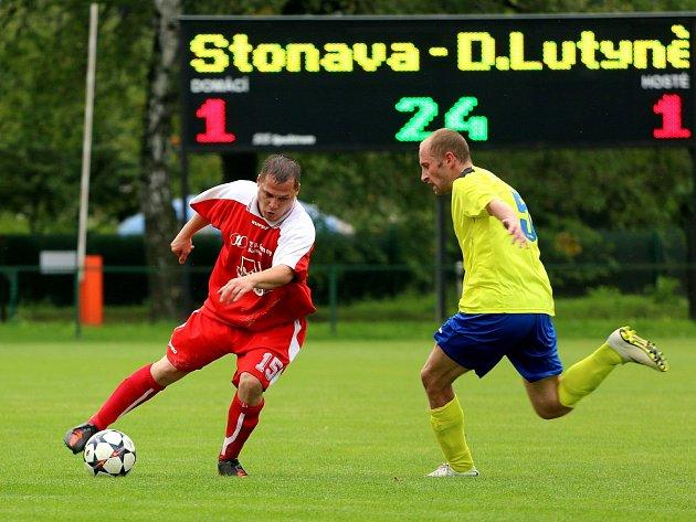 Od remízového zápasu ve Stonavě to jde s fotbalisty Dolní Lutyně víceméně z kopce.