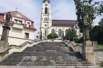 Orlová-Město. Náměstí, kostel.
