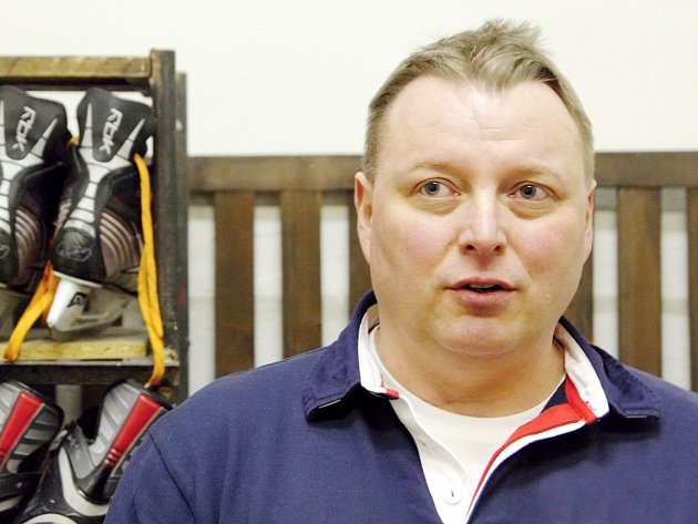Petr Česlík, trenér orlovských hokejistů, se při utkáních řídí intuicí.