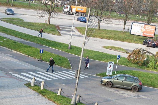 Pokud vás vOstravské ulici vKarviné, a také vulicích okolo, překvapí přechodná změna dopravních pravidel, vyplatí se raději otočit a jet podle nich.