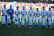 Karvinští fotbalisté (v bílém) vybrali Letnou a šokovali Spartu výhrou 3:1.