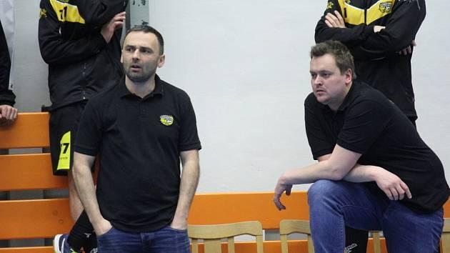 Havířovští trenéři Pavel Kožušník (vlevo) a Pavel Kotula. Kožušník nakonec u týmu v roli kouče pokračovat nebude.