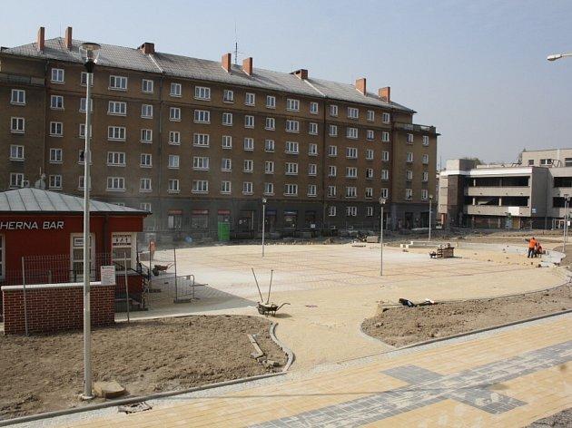 Náměstí TGM v Havířově-Šumbarku těsně před dokončením rekonstrukce.