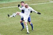 Karvinští fotbalisté (v bílém) remizovali doma s Mladou Boleslaví 1:1.