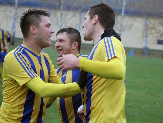 Fotbalisté Bosporu se radují. Úvodní finále okresního poháru zvládli.