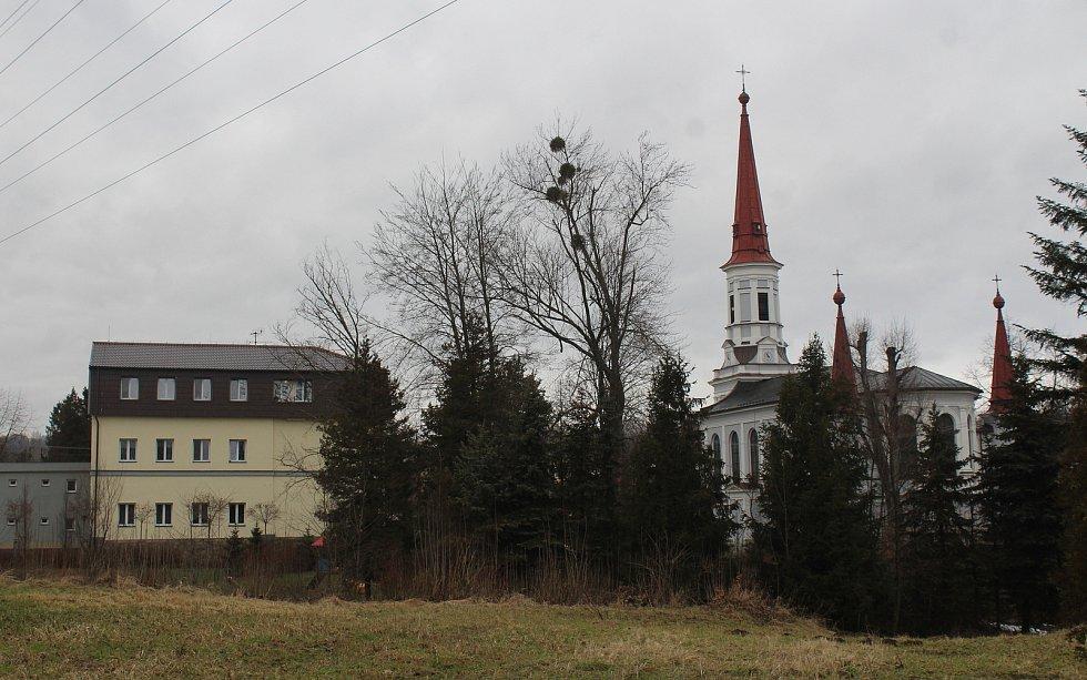 Doubrava. pohled na katolický kostel