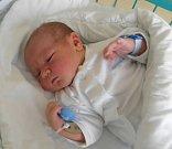 Kubíček Petrov se narodil 3. března paní Soně Čechové z Dolní Lutyně. Porodní váha miminka byla 4440 g a míra 54 cm.