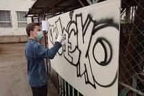 Graffiti jako umění i životní styl. To vše předvedla soutěž na karvinské Střední škole techniky a služeb.