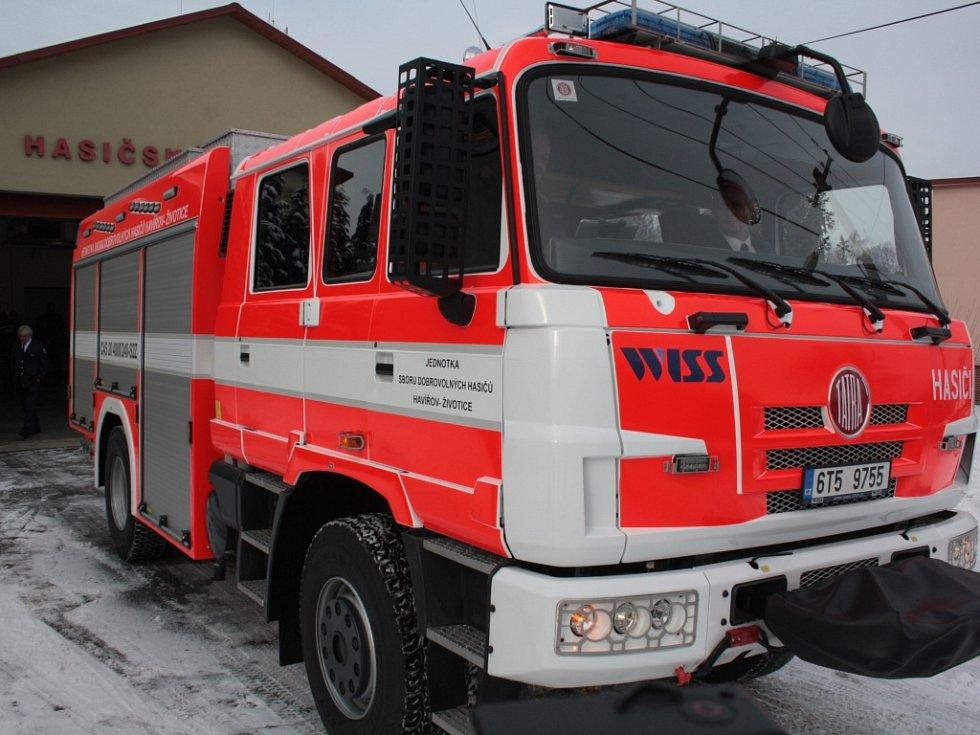 Dobrovolní hasiči z SDH Havířov-Životice mají nový zásahový automobil.