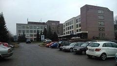 Poliklinika v Karviné-Mizerově je na prodej.