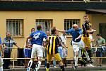 Těšíňané přehráli doma Kobeřice (v modrém) 2:0.