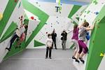 Novou boulderingovou stěnu pro lezecké sporty v Bohumíně využívají od pondělí vyznavači tohoto odvětví, stěna je ale otevřená i zájemcům z řad široké veřejnosti.