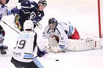 Hokejisté Havířova (v černém) zdolali doma Beroun.
