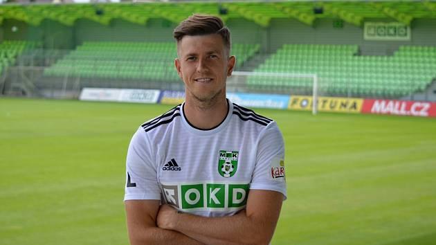 Lukáš Bartošák je další posilou fotbalové Karviné.