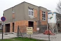 Stanice profesionálních hasičů v Orlové v sousedství autobusového nádraží je momentálně jedno velké staveniště.