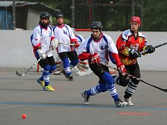 Hokejbalisté Karviné míří pomalu zpět do první ligy.