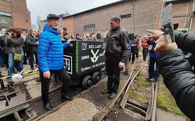 VDole Lazy uOrlové ve čtvrtek 28.11. 2019vyvezli poslední vozík uhlí. Skončila tak těžba.