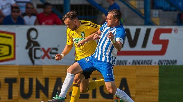 Lukáš Budínský (vlevo) se až do svého zranění staral o jakous takous ofenzivní stránku Karviné.