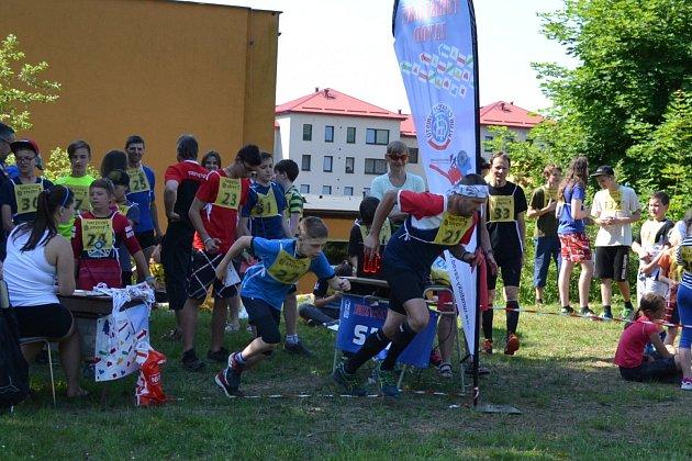 Jan Kůrka na startu vlevo.