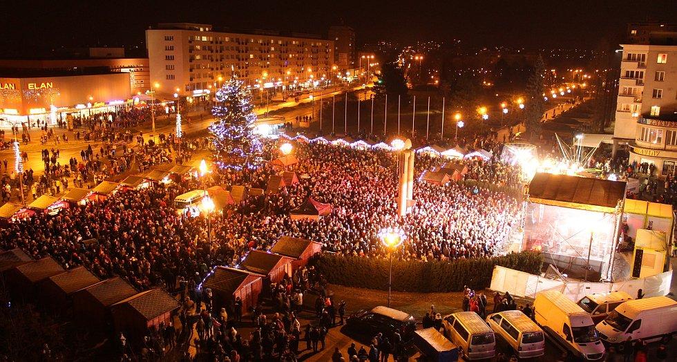 Vánoční městečko v Havířově 2018. Rozsvícení stromu a ohňostroj.