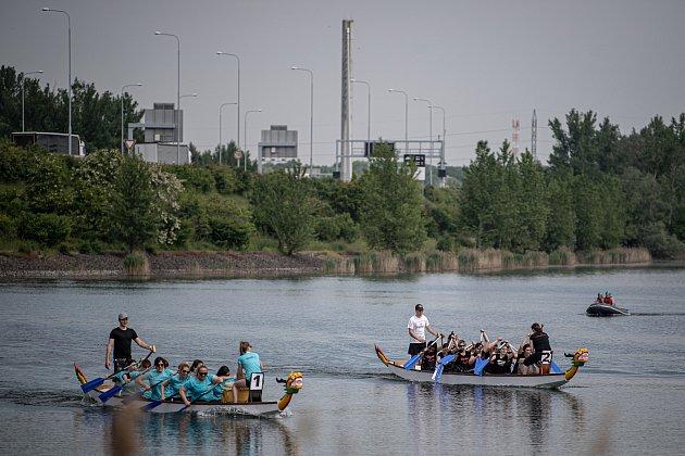 Závody dračích lodí na Vrbickém jezeře, 5.června 2021.