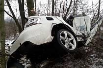 Následky tragické dopravní nehody na Lazecké ulici v Orlové.