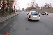 Nehoda osobního auta s chodcem v Albrechticích.