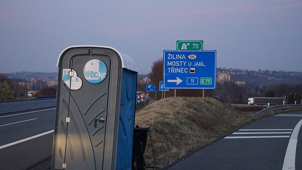 Situace na hraničních přechodech s Polskem se zlepšila, kolony se téměř netvoří, odbavování je plynulé.