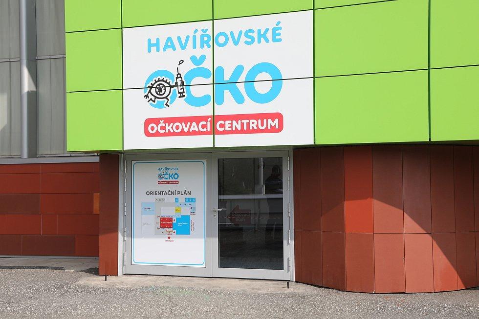 V Havířově vybudovali velkokapacitní očkovací centrum v prostorách městské sportovní haly.