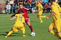 Věřňovice (v červeném) si v derby poradily s Dolní Lutyní.
