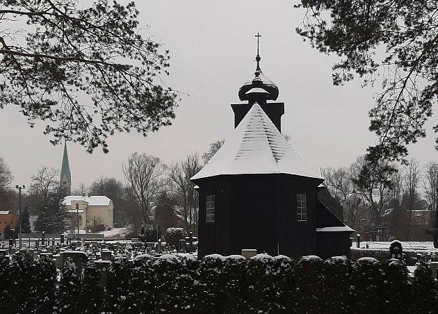 Dřevěný kostel vAlbrechticích.