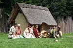 Takřka přímo do kuchyně a dalšího života starých Slovanů nahlédli návštěvníci Archeoparku v Chotěbuzi na dvoudenní akci Cyrilometodějské dny. Ta obsahovala i divadelní scénky, výklady o jídle, zbraních i oděvech a další zajímavosti.